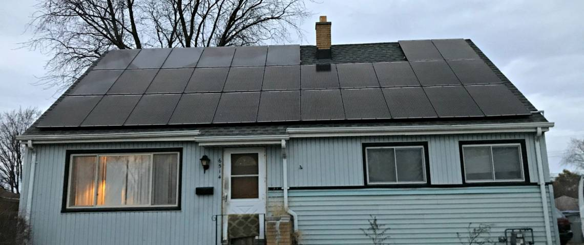 Roof Mount Solar Installation in Milwaukee WI