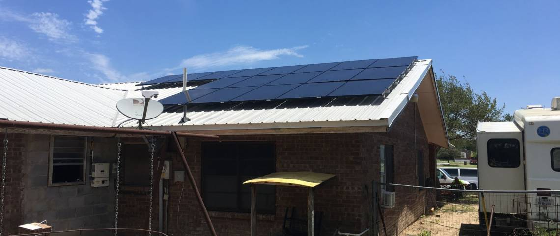 Rooftop Solar Array in Zapata TX