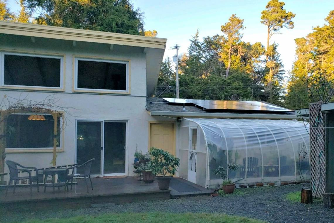 Rooftop Solar Power System in Fort Bragg CA